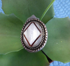 Hopi Tony Kyasyousie Ring Sterling Silver Size 10 Mother Of Pearl Hand Made 1970 - $158.00
