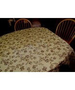 """PFALTZGRAFF VILLAGE ROUND TABLECLOTH 64"""" EXCELLENT, NO RIPS OR TEARS. NO FADING"""