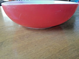 "Vintage 1950's Pyrex 525B 2 1/2 Quart Red Square Hostess Bowl 9"" x 9"" - $11.25"