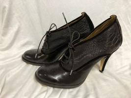 BCBG MAXAZRIA SHOES  Leather brown velvet heel close Pumps Size: 9/39 - $28.04