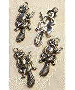 WIGGLY WOODCHUCK BEAVER FINE PEWTER CHARM PENDANT - ANTIQUE SILVER - CS5... - $0.98