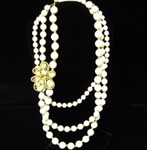 Charmin Charlie yellow flower bib with white beads - $0.98