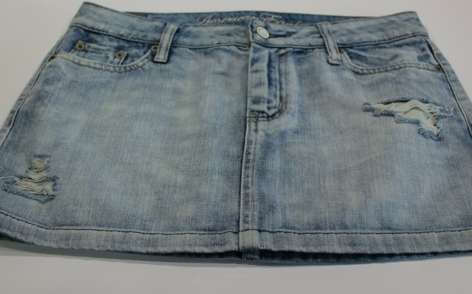 Primary image for American Eagle Denim Skirt Distressed Light Wash Size 4