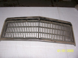 1977 1978 MERCURY MARQUIS GRILL COLONY PARK WAGON USED OEM # D5MB 8150 A - $167.46