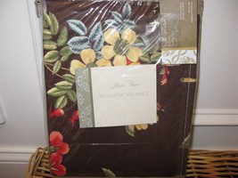 Rose Tree Queensland tailored valance New - $37.00