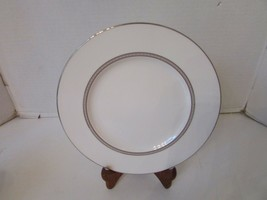 "LENOX BONE CHINA MURRAY HILL ACCENT LUNCHEON PLATE 9.25""  MINT - $2.92"