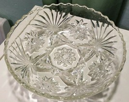 "Vintage Anchor Hocking Early American star 7"" Scalloped rim Round glass Bowl - $9.47"