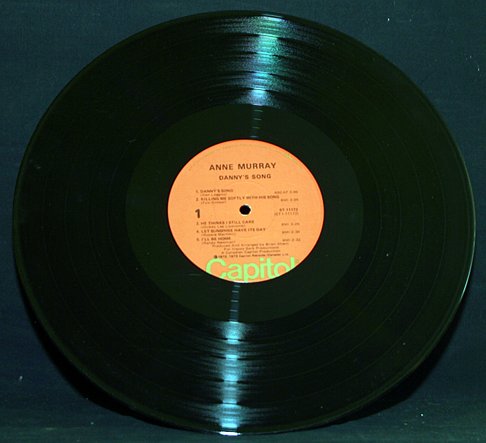 """Anne Murray  """"Danny's Song""""   Capitol Records ST-11172  LP"""