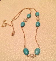 "Pearl & Turquoise Simulated Bead Necklace 22"" Gold Tone Chain 2"" Ext Tre... - $19.99"