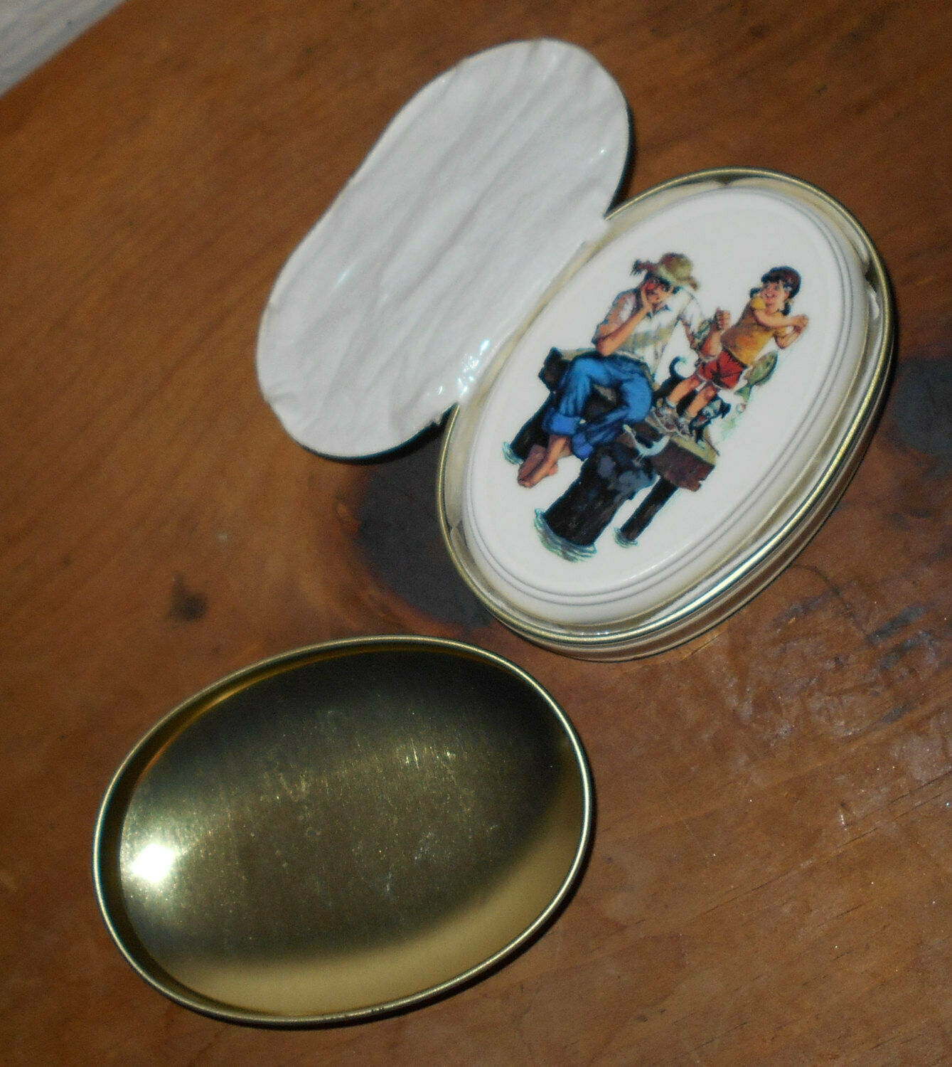 Avon Grandfathers Are Special 1983 Tin WITH Soap Norman Rockwell new container