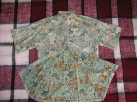 GO BAREFOOT Hawaiian Shirt Size M Cotton Fish and Seashells Reverse Print - $12.34