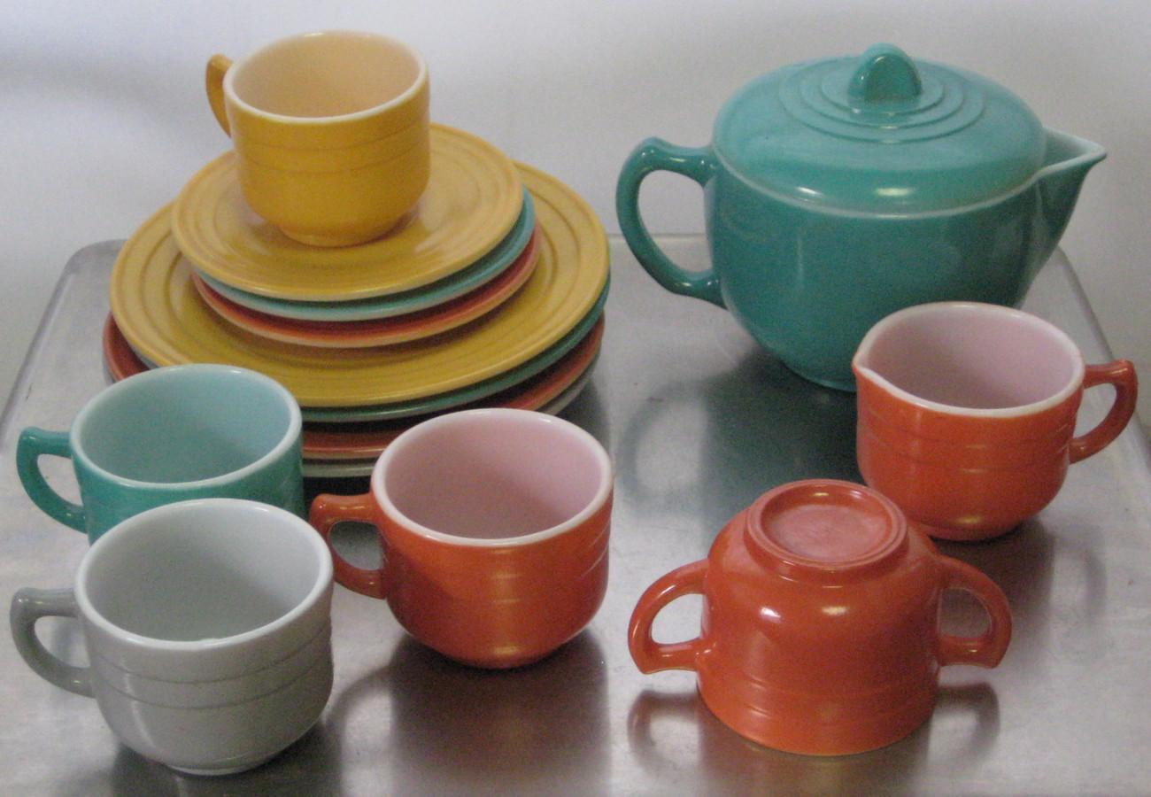 Toy Tea Set : Depression era vintage toy glass moderntone little hostess