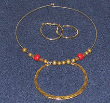 Vintage Costume Jewelry Goldtone Necklace & Earrings - $9.50