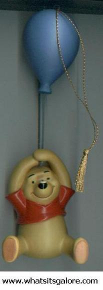 WDCC Classics Collection Pooh UP TO THE HONEY TREE