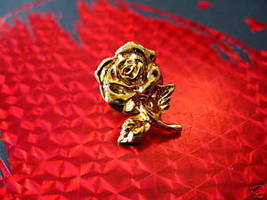 GOLD COLORED ROSE FLOWER Collector Souvenir Lapel Pin - $4.99