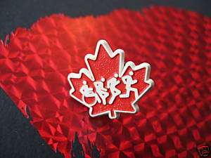Vintage CANADA MAPLE LEAF Souvenir Lapel Pin