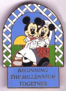 DISNEY Mickey & Minnie bride & groom retired PIN/PIN