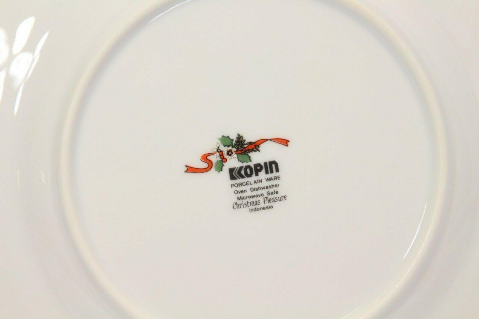 Kopin Xmas Pleasure Dinner Plates Scalloped Rim Lot of 16 image 4
