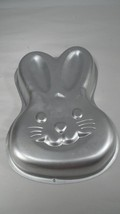 Cute GUC Wilton Big Eared Easter Bunny Peter Rabbit Face Shaped Baking Cake Pan - $4.41