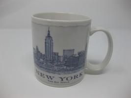 2010 Starbucks New York City Metroplitan Cityscape Architect 18 Oz Coffee Mug - $32.99