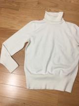 #406–. JM Collection beige Turtle Neck Sweater Knit Top, Size Petite M - $8.60