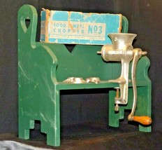 Universal No. 3 Food and Meat Chopper/ Grinder AA-191697  Antique