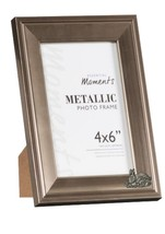 Rabbit Family Pewter Emblem on PICTURE FRAME SILVER 6X4 Hang/Stand codeU... - £19.38 GBP