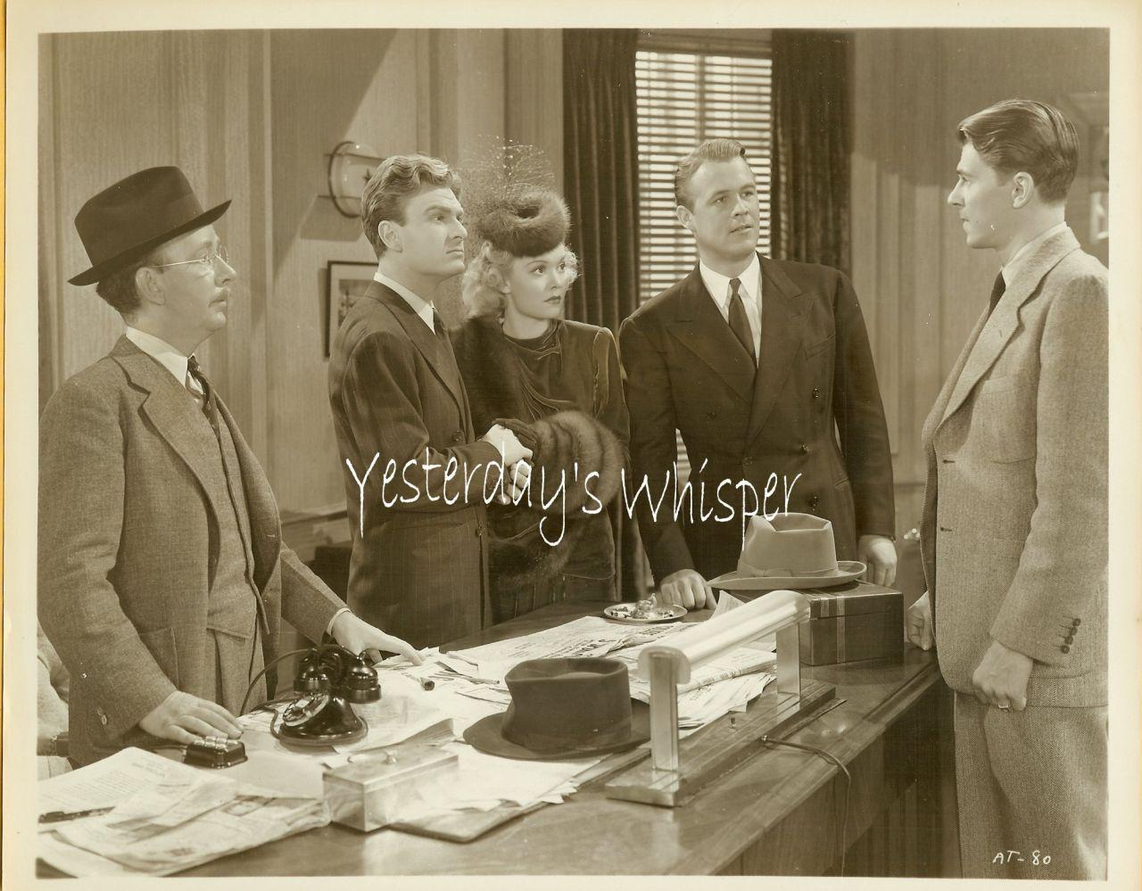 Unknown Warner Bros. VINTAGE Movie Lobby PHOTO