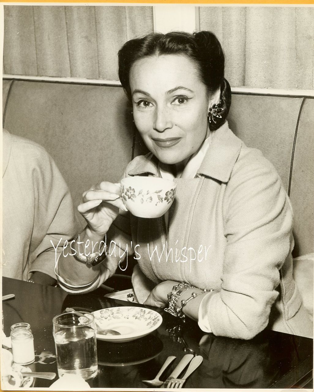 Dolores delRio Mature Candid 1950 NY Airport Photograph
