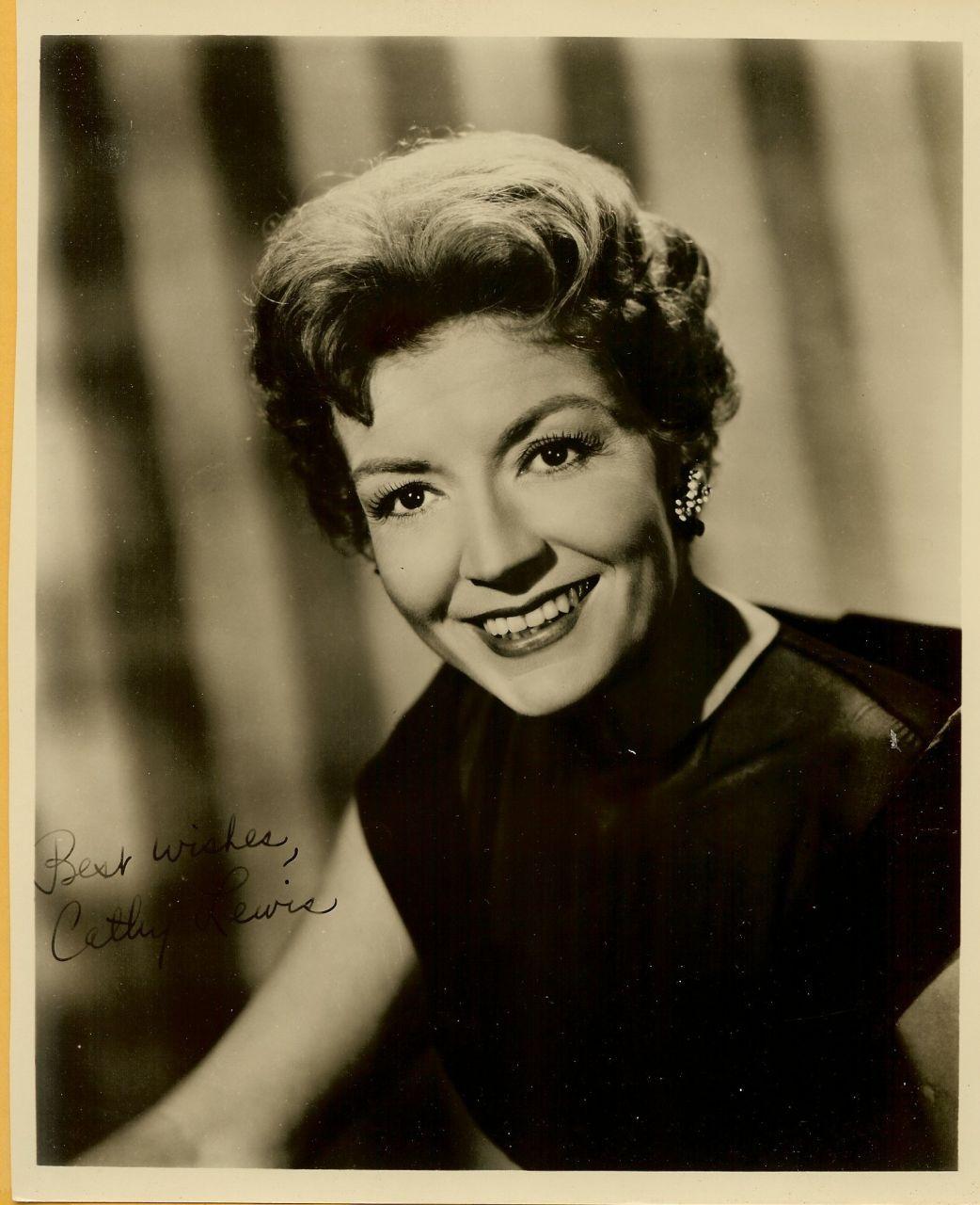 Mary Maude photo