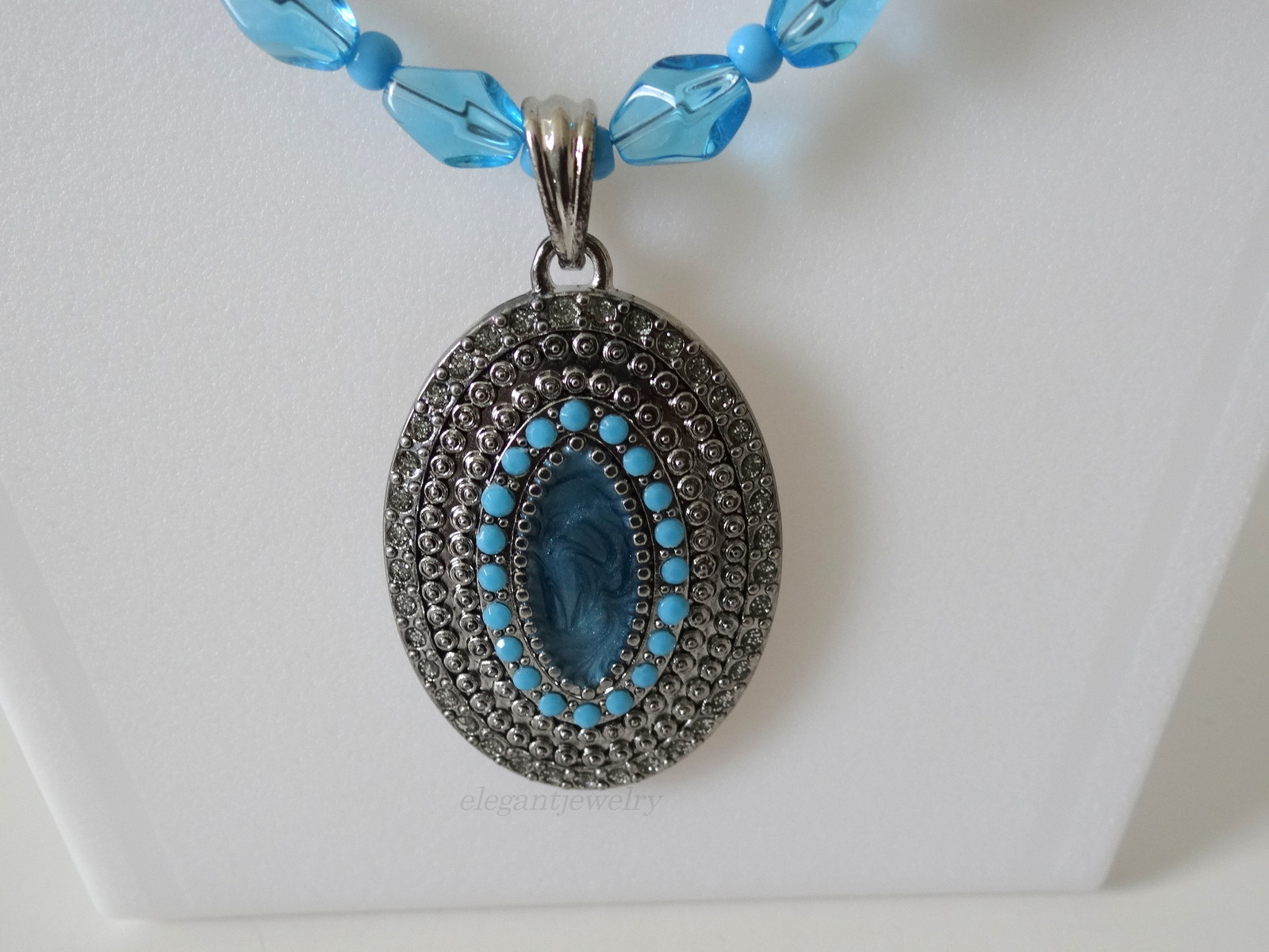 AQUA BLUE CRYSTAL NECKLACE SET