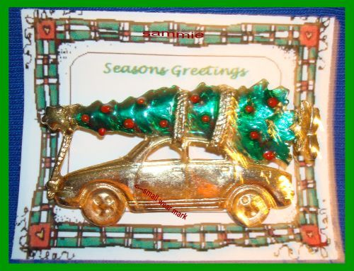 Primary image for Christmas PIN #100 Vintage Christmas Tree on Car Top ~Goldtone ~Griswold Family?