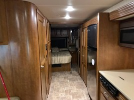 2014 THOR MOTOR COACH PALAZZO 33.2 FOR SALE IN House Springs, MO 63051 image 9
