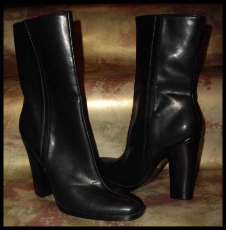"Nine West DELGADO Black faux leather Short BOOT 4"" Heel-Size 9 NEW"