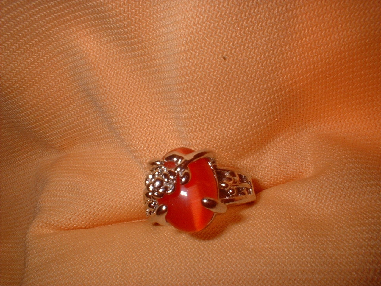Flower ring orange small stone 6.5 or 8. side