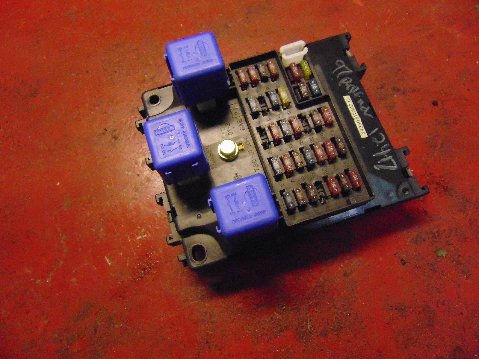 96 97 Nissan Pathfinder Interior Fuse Box Panel 24350