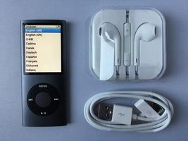 Apple Ipods Nano 4th Generation 16gb Black Mint - $139.00