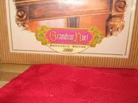 Grandeur Noel Santa Retired Victorian Red Santa