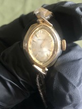 Vintage ladies Waltham Incabloc gold plated watch flex gold plated strap,wind up - $5.99