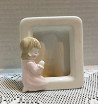 Vintage Girl in PJ's Praying Ceramic Photo Picture Frame Free Standing Table Top - $7.00