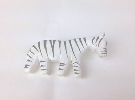 Vintage Wood Zebra Made In Philippines Animal Black White Brooch Pin - $5.95