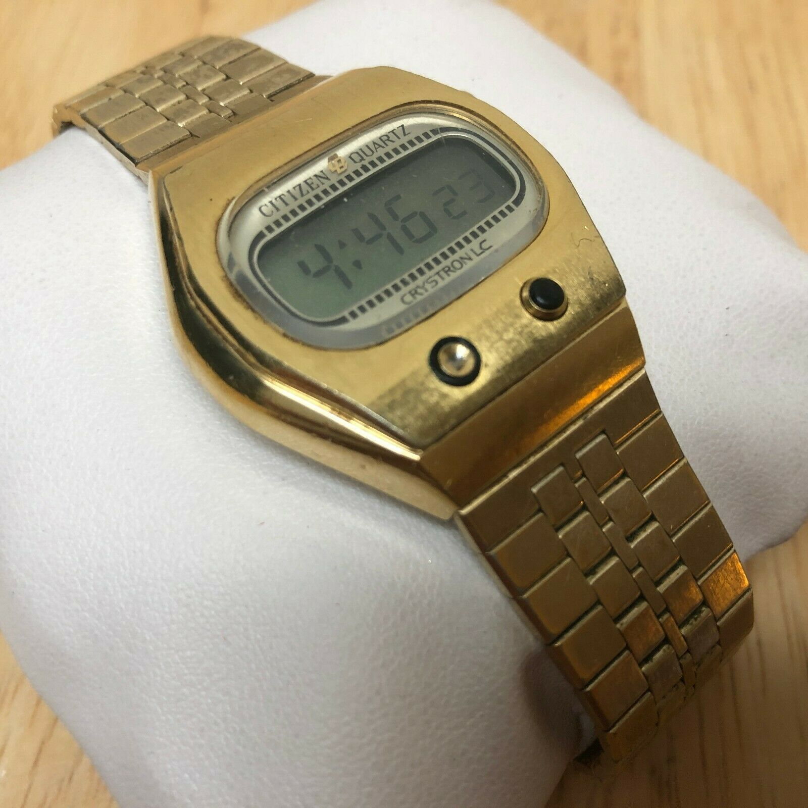 Rare Collectible Vintage Citizen Crystron Men Digital Watch Hour~Date~New Batter image 3