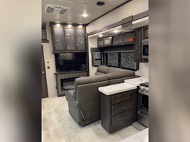 2021 GRAND DESIGN MOMENTUM M-CLASS 395M FOR SALE IN Effingham, IL 62401 image 12