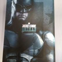 HOT TOYS MMS432 DC JUSTICE LEAGUE BATMAN TACTICAL BATSUIT VERSION 1/6 FI... - $425.04