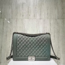 AUTHENTIC CHANEL MATTE CAVIAR QUILTED GREEN LARGE BOY FLAP BAG SILVERTONE HW image 2