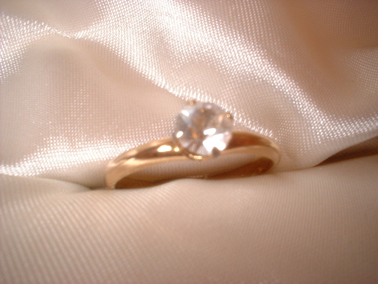 Round Solitaire Crystal Ring Size 9 Bargain Bin Under $10.00