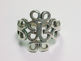 Vintage MEXICAN Artisan RING in Sterling Silver - Size 6 1/2 - $50.00