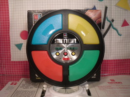 1978 SIMON Milton Bradley Electronic Game in Box - Green Light Out - $27.00