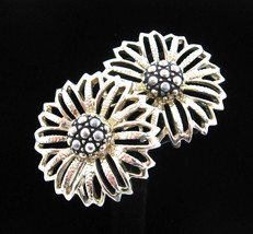 Sarah Coventry DAISY MAE FLOWER Bloom EARRINGS Vintage Clip On Goldtone ... - $14.99