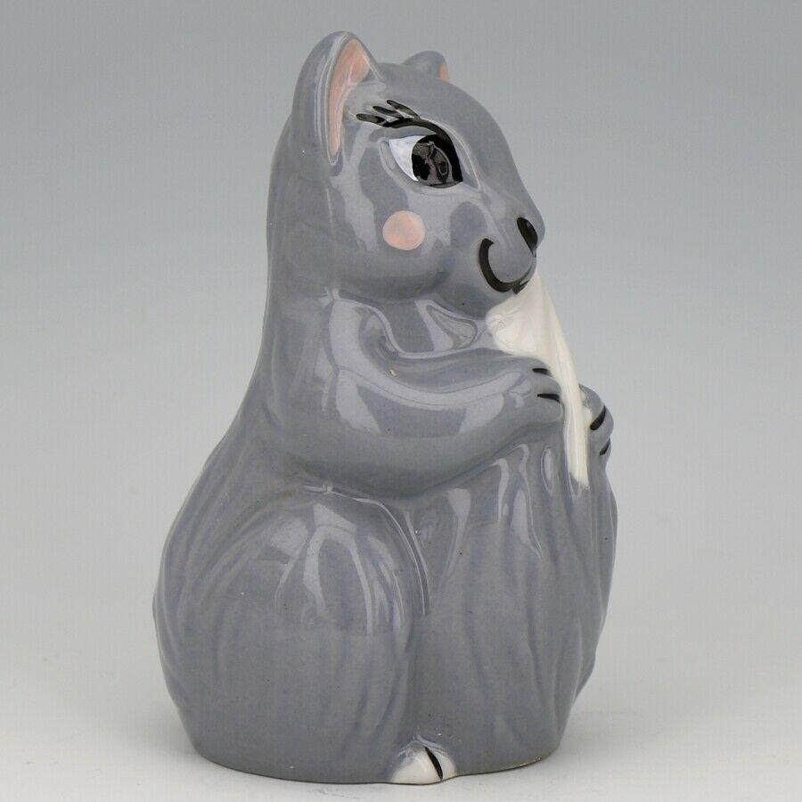 1995 C & S Collectibles #1250 Wade Figurine England Felicity Squirrel Gray